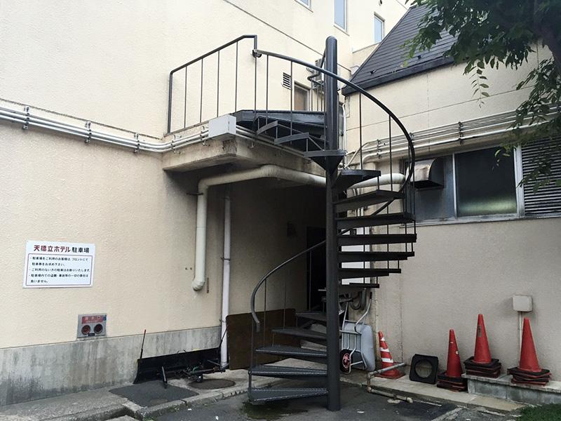 Hホテル様 らせん階段